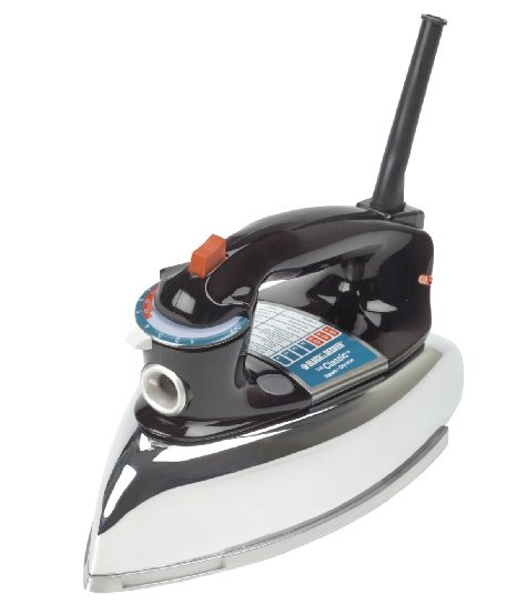 F67E The Classic Iron with Aluminum Soleplate, Steam-‐surge button